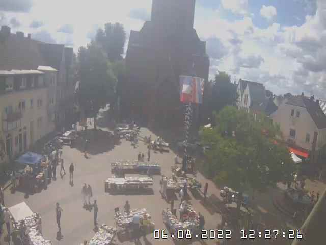 http://webcam-hal.no-ip.org/image/markt1
